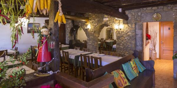 Can Mascort, restaurant, ctra. dels Àngels